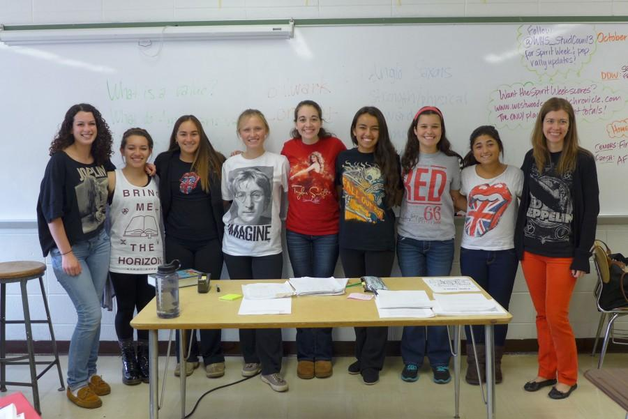 Ms.+Farrell+and+some+members+of+her+junior+english+class