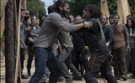 """""""The Walking Dead"""" Ratings Fall to Record Low"""